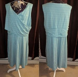 Lands' End Dresses - Lands End flowy plus size dress